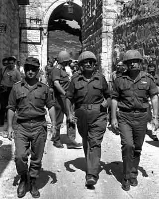 Uzi Narkis, Moshe Dayan e Isaac Rabin