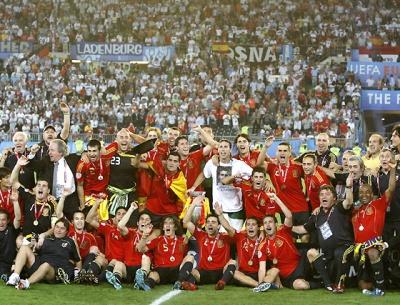 Celebración de la Eurocopa con Pepe Reina cordobesista