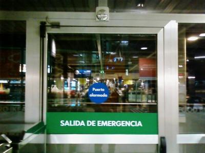 Puerta alarmada