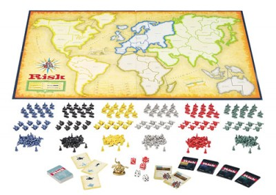 Tablero de Risk con cartas y fichas