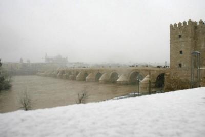 Mezquita, Puente Romano y Calahorra nevados