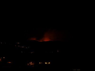 Fotografía nocturna del incendio