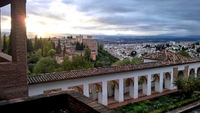 La Alhambra y Granada desde el Generalife