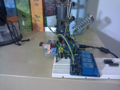 Prototipo de control de relés y sensor PIR