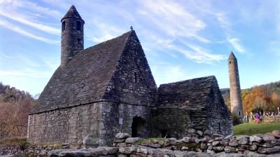 Iglesia de San Kevin y Torre Circular